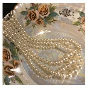 Quality Vintage White Pearl Choker Necklace
